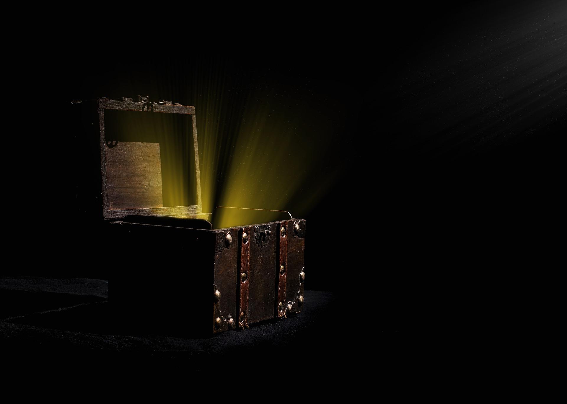 coffre aux trésors ouvert pièces de monnaie or