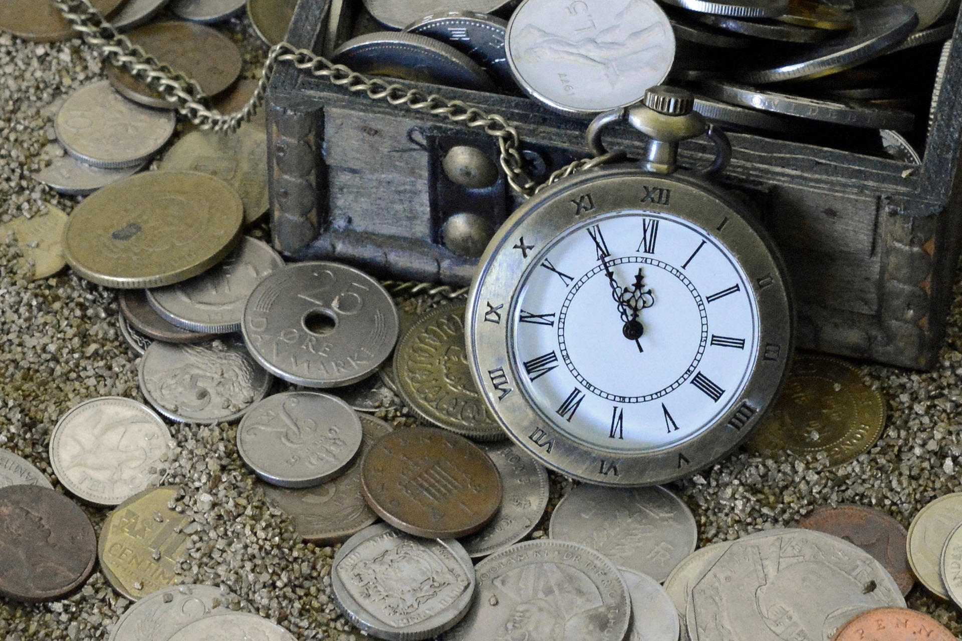 coffret montre pièce de monnaie trésor