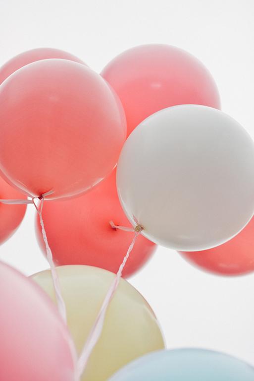 ballons rose blanc