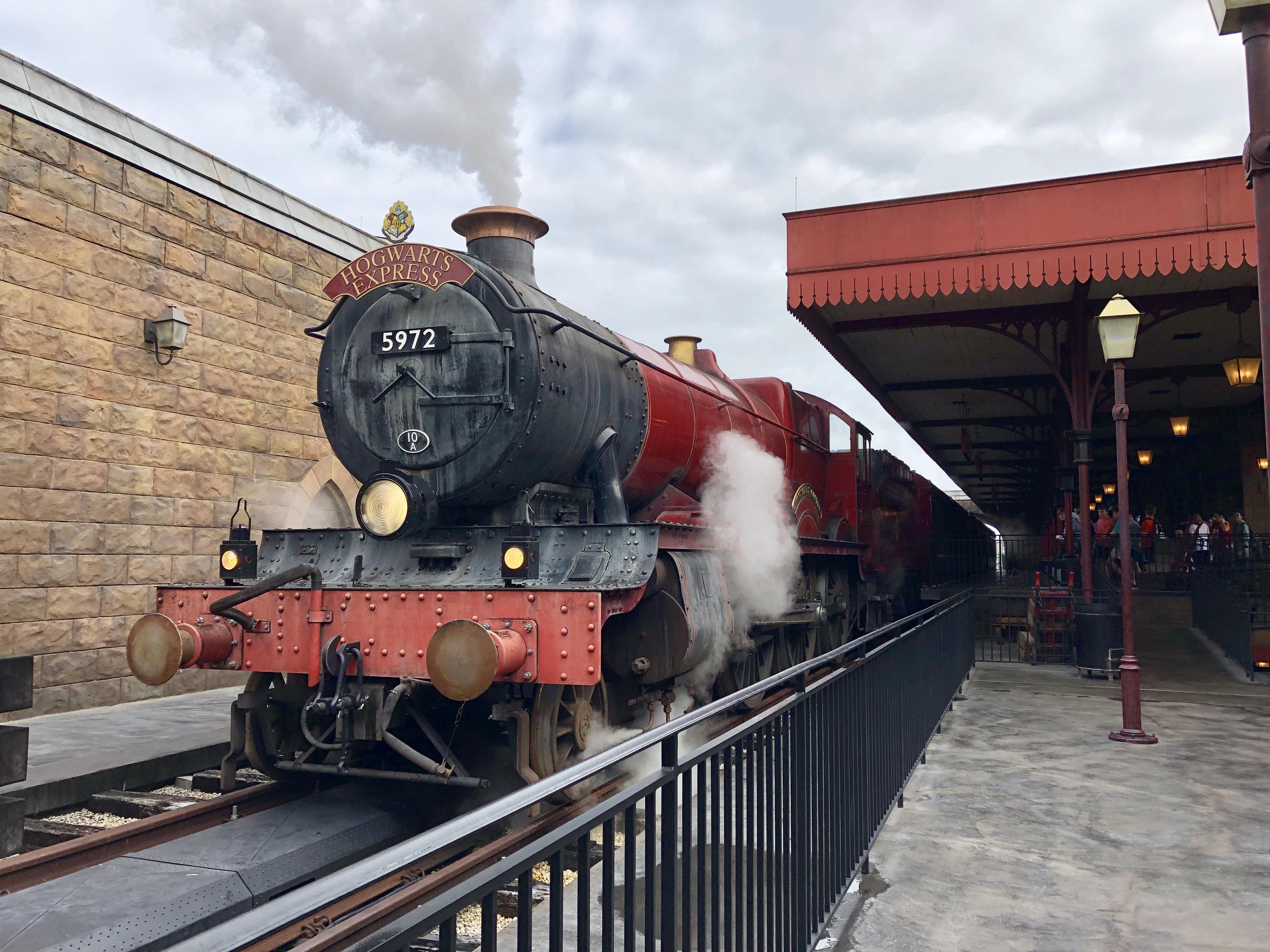 wizarding world of harry potter universal studios poudlard express train