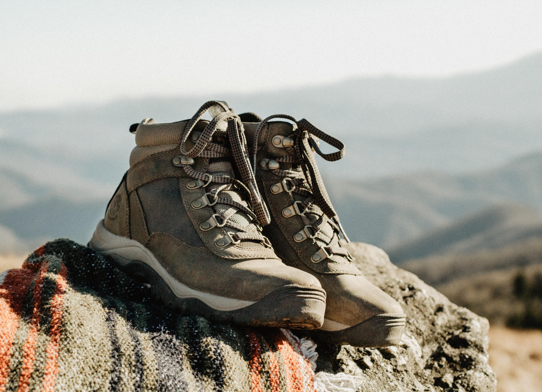 bottes randonnées souliers chaussures