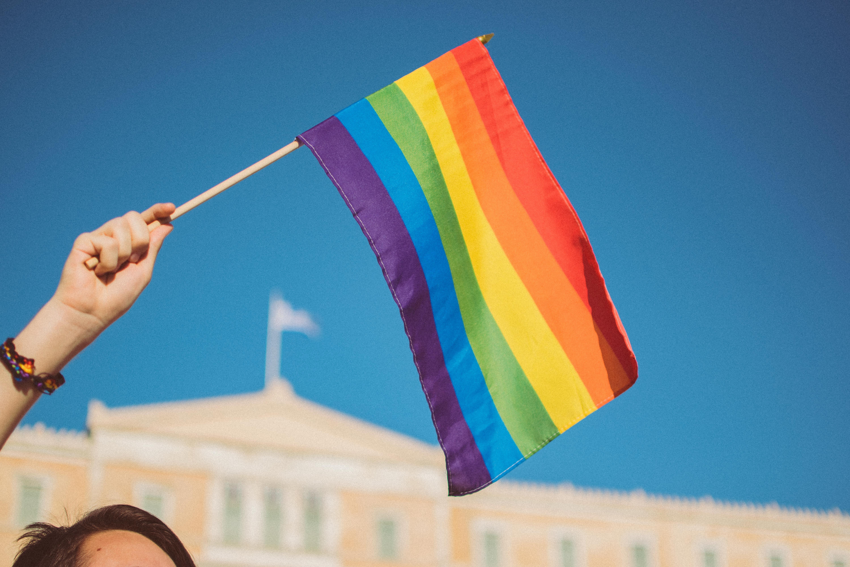 drapeau arc-en-ciel fierté gaie