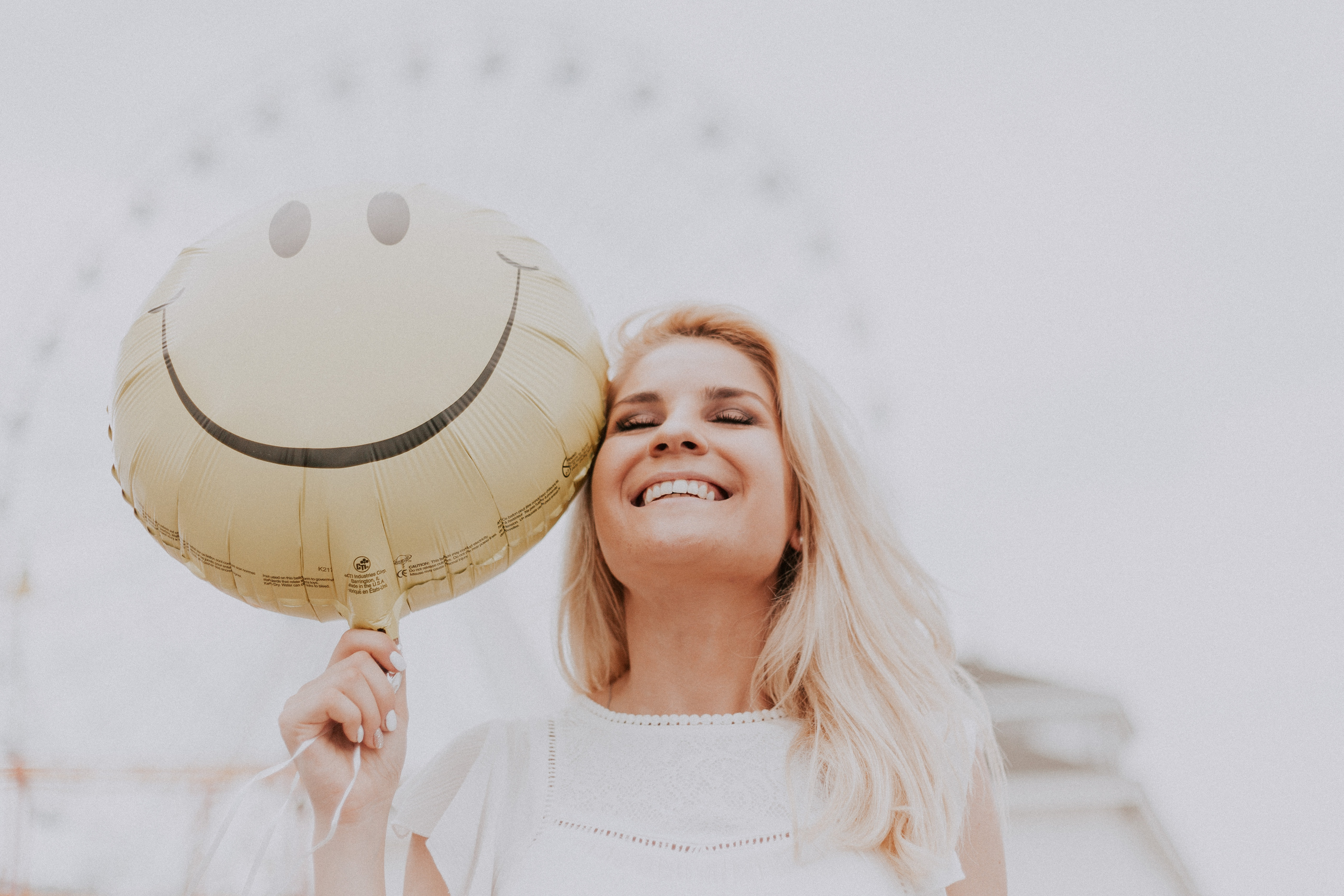 ballon femme bonhomme sourire