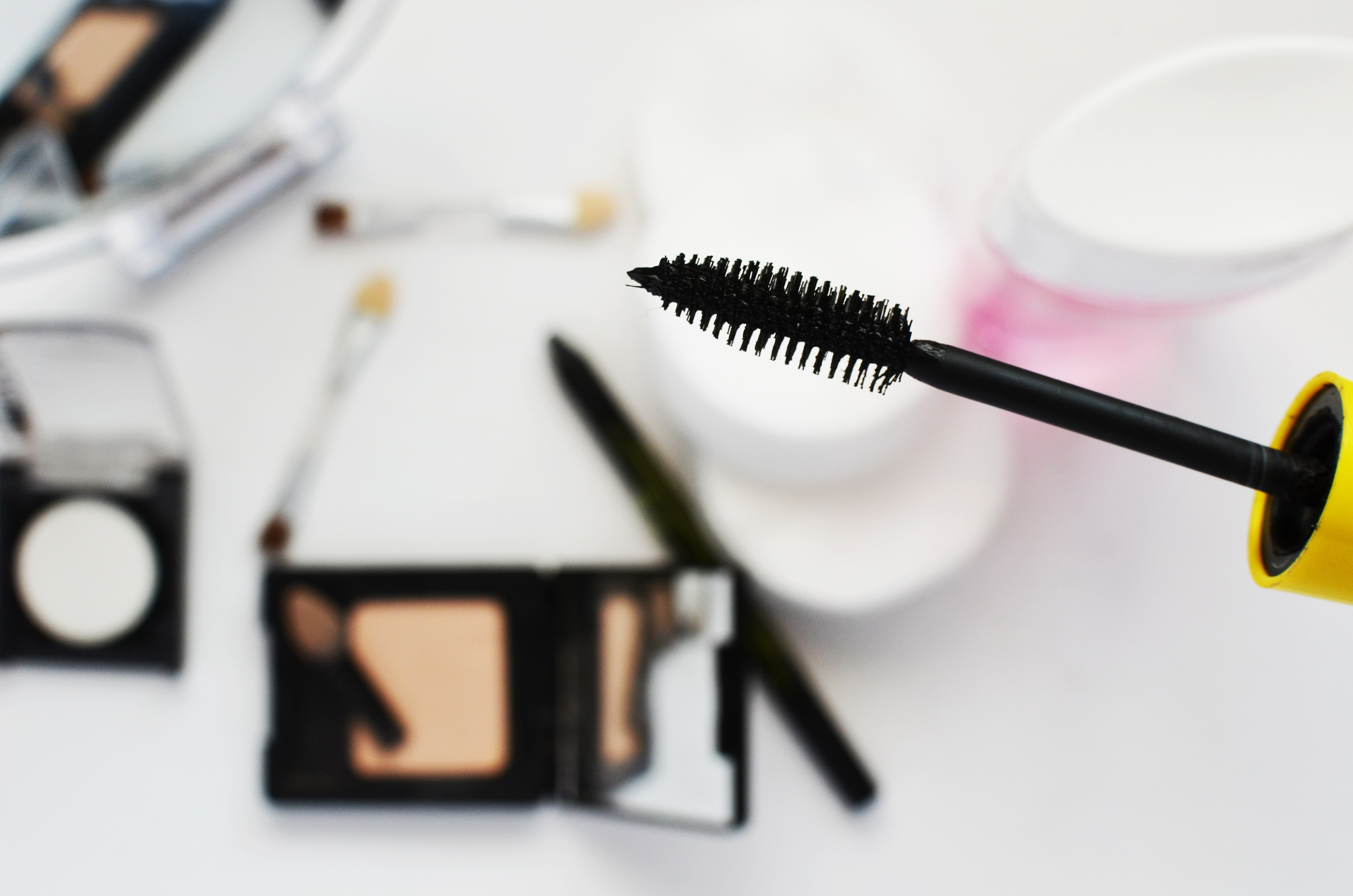 mascara maquillage cosmétiques