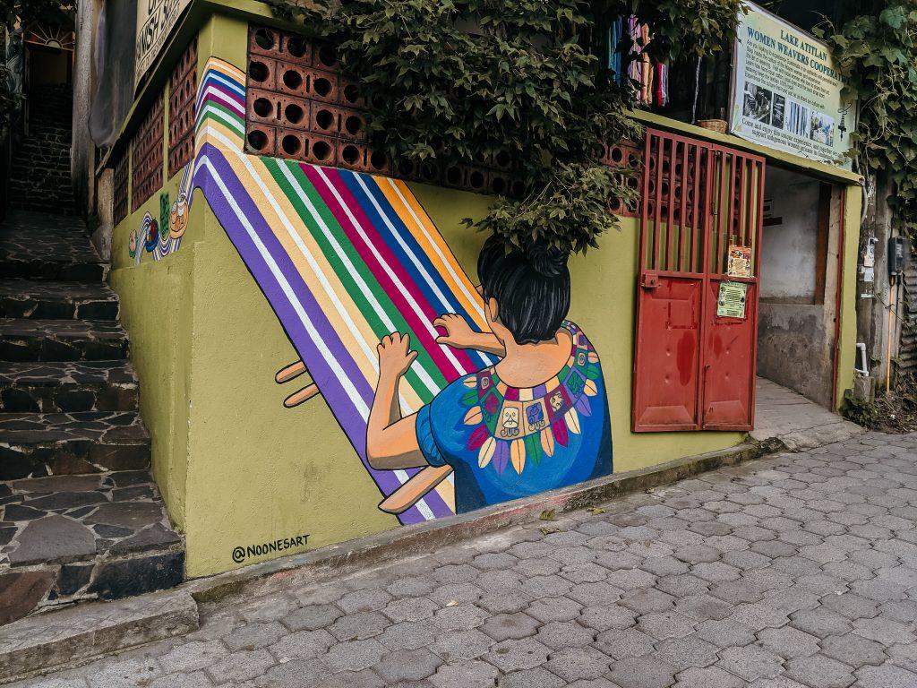 camille dg voyage guatemala santa cruz murale