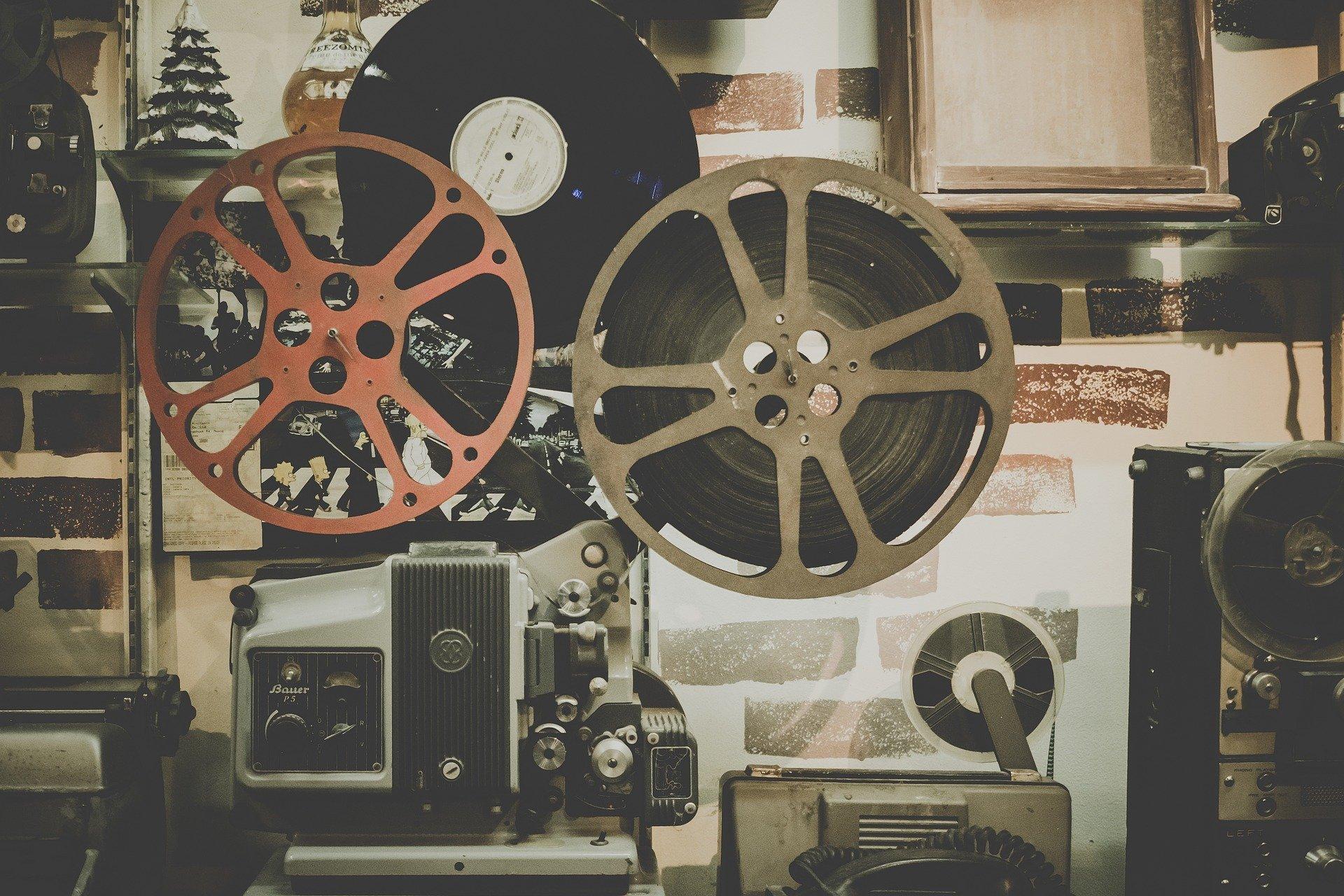 des rouleaux de films qui sont utiliser dans les studios de films