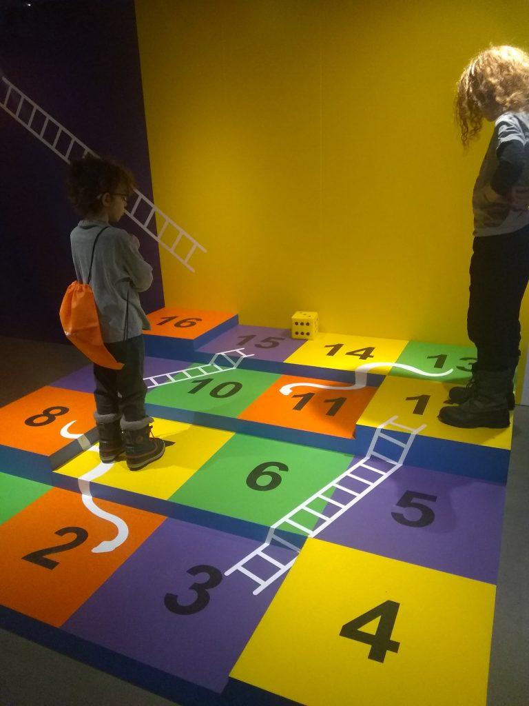 à toi de jouer musée mccord serpents et échelles