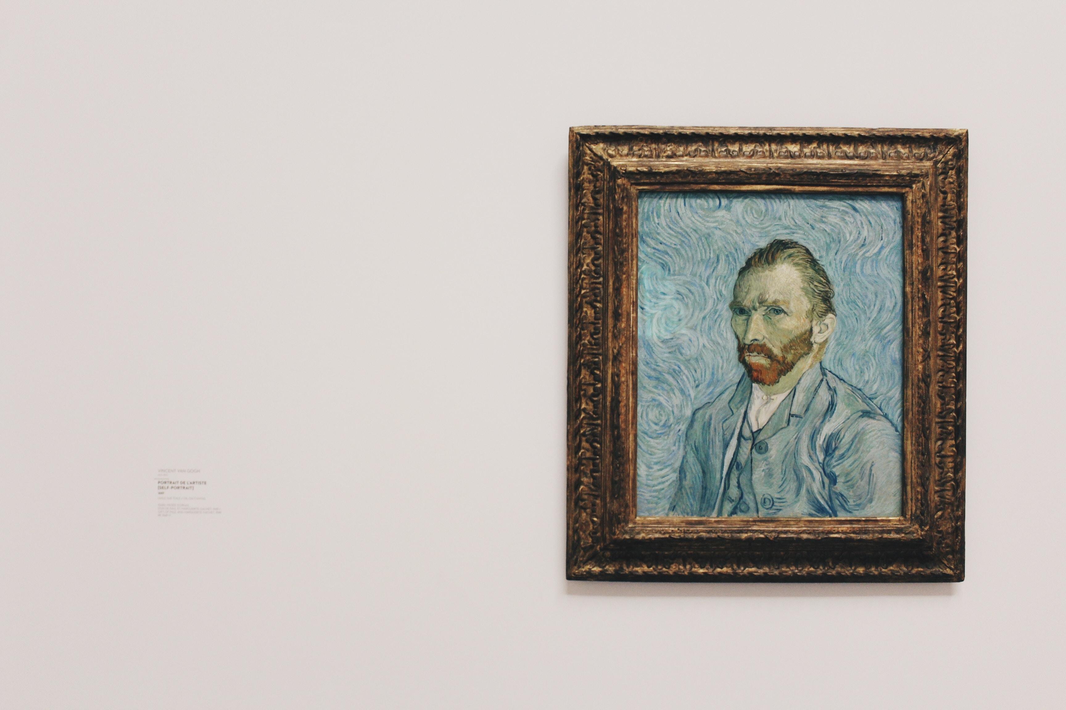 autoportrait de vincent van gogh sur mur blanc