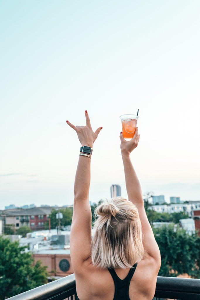 cocktail femme liberté adulescent