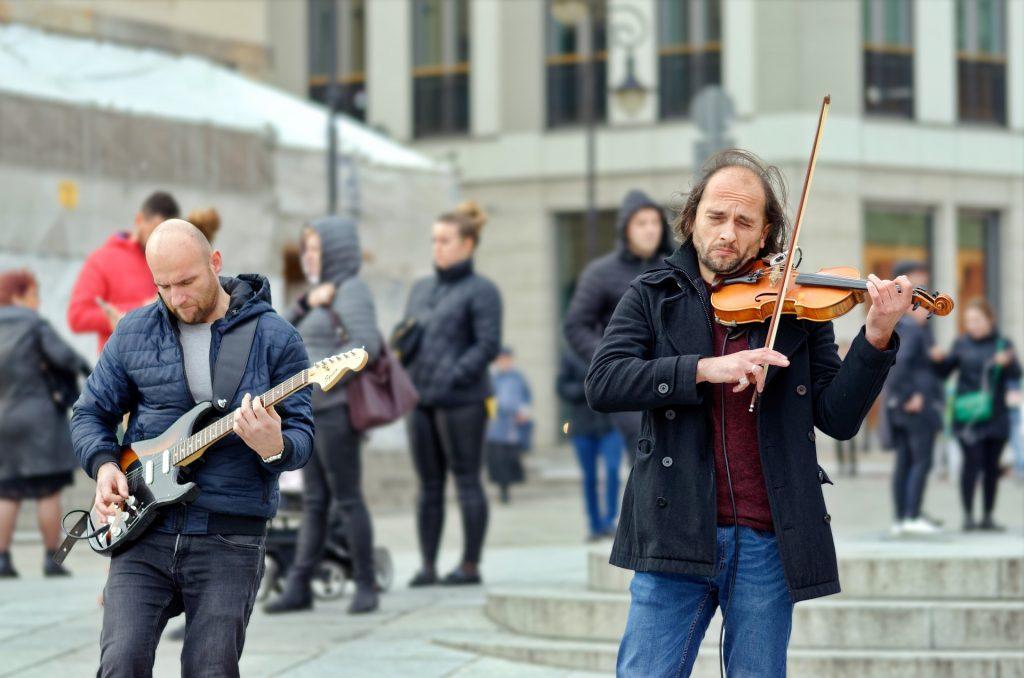musiciens guitare violon