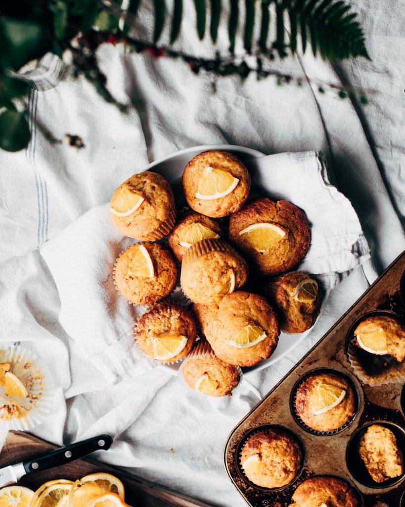 muffins avec tranches d'oranges