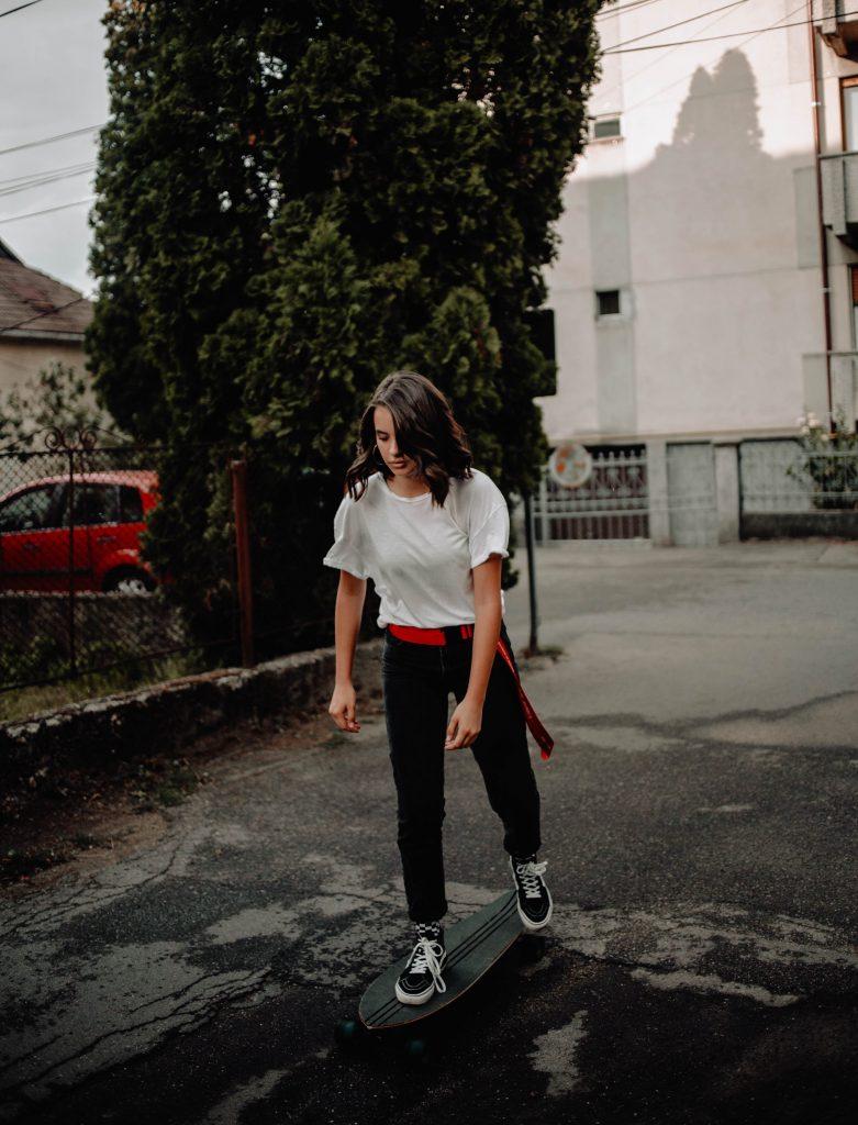 fille skateboard