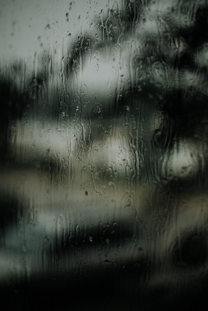 fenêtre gouttes d'eau