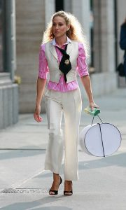 suit blanc rose carrie bradshaw