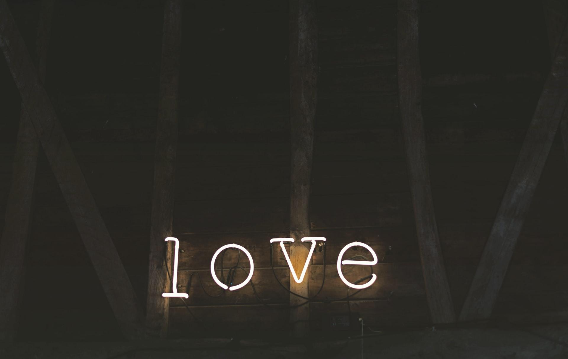 amour lumière néon sombre