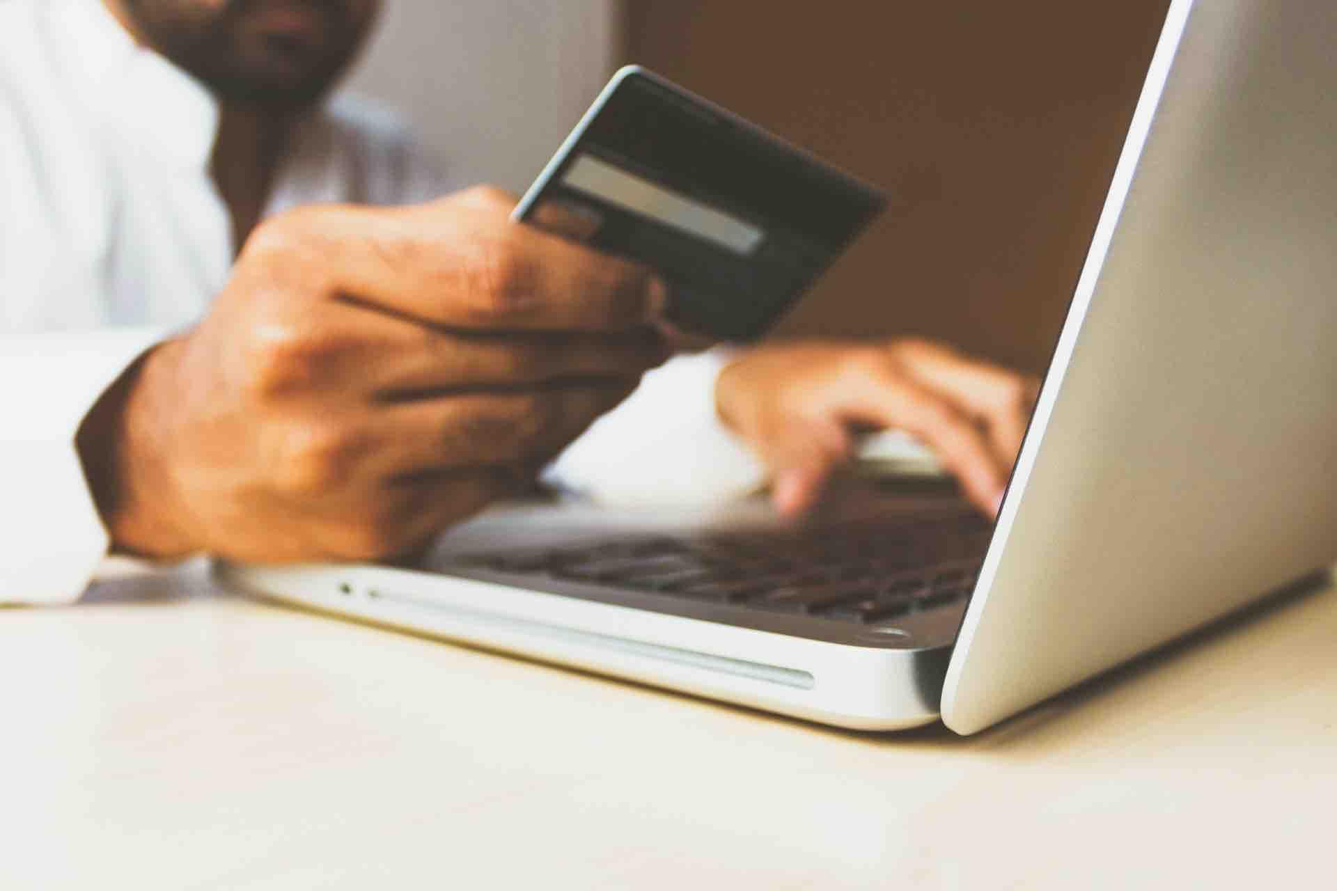 magasinage en ligne carte de crédit ordinateur