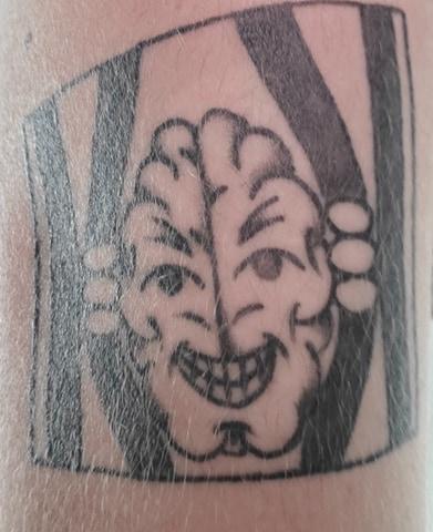 cerveau prison tattoo encre peau