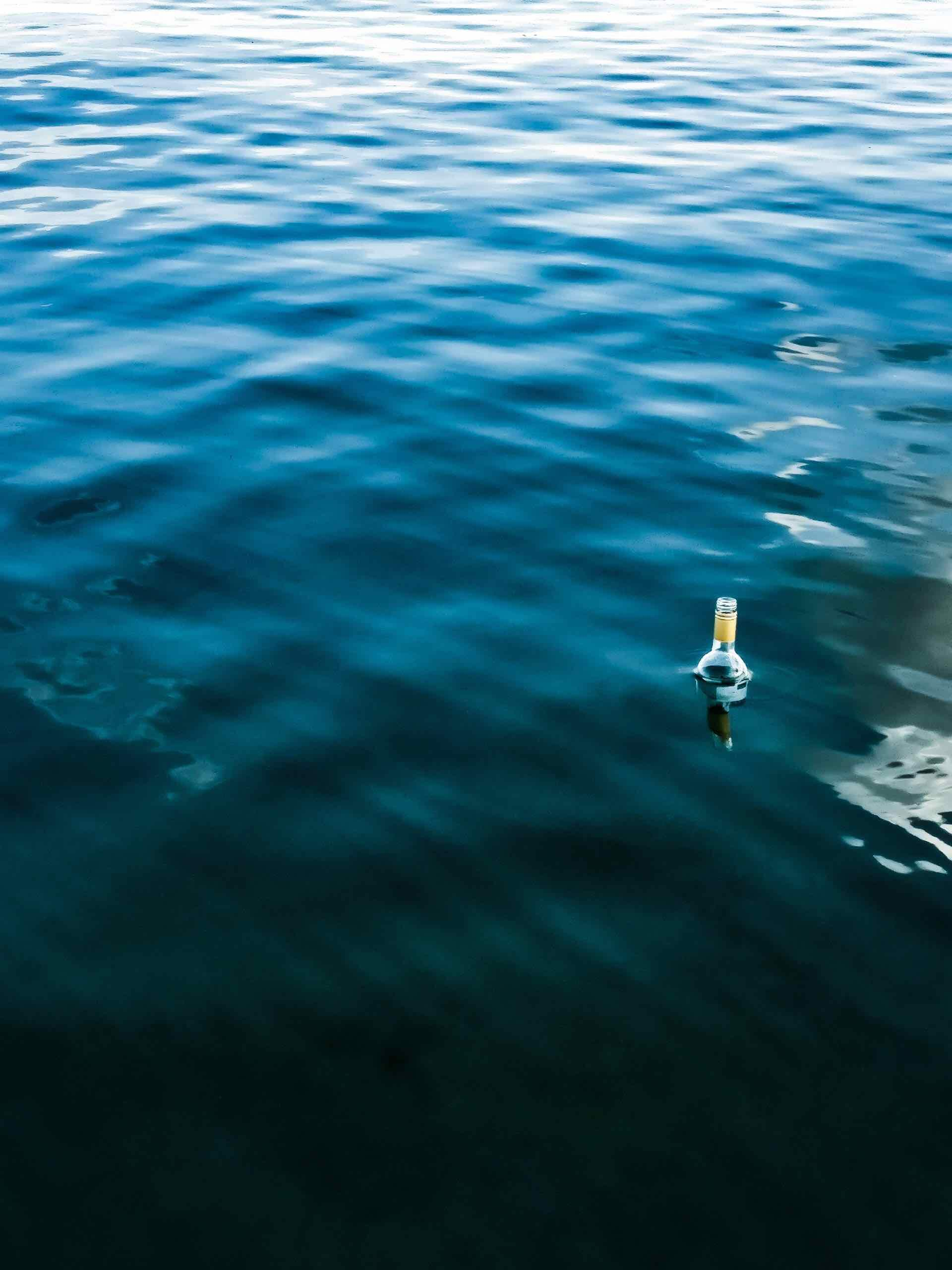 bouteille mer lettre océan bleu