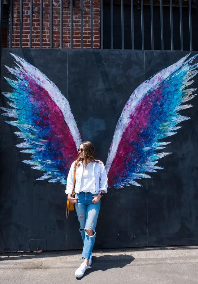 femme ailes liberté plaisir