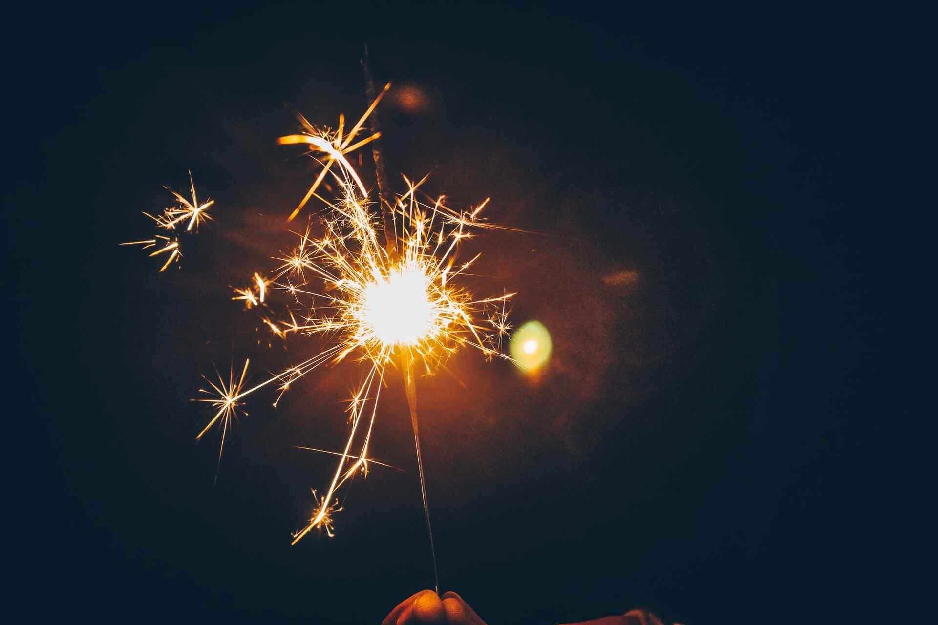 célébration fierté confetti étincelle