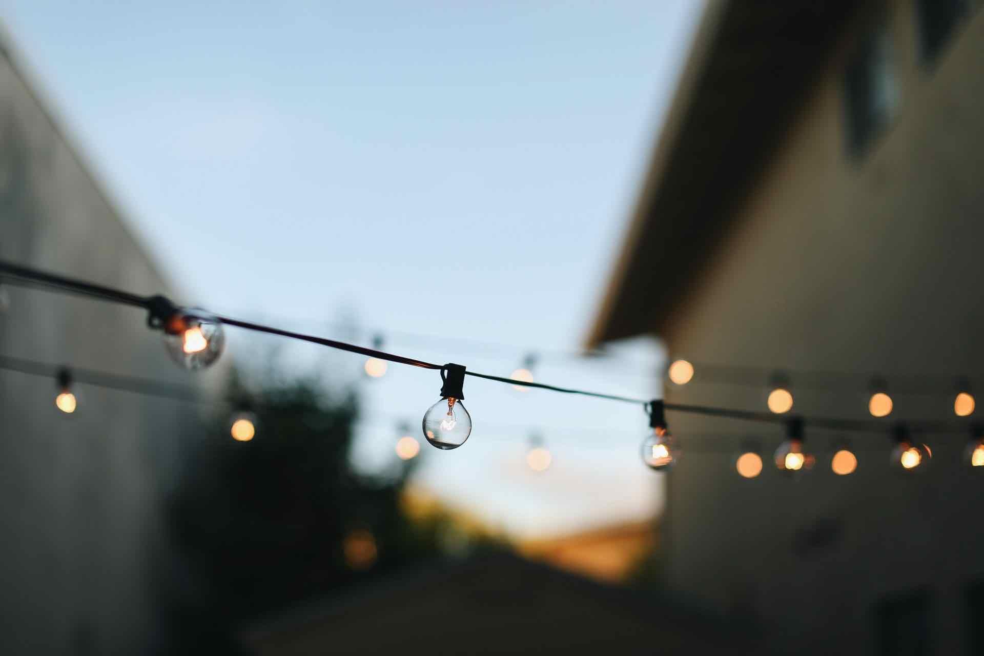 lumières guirlande terrasse string lights