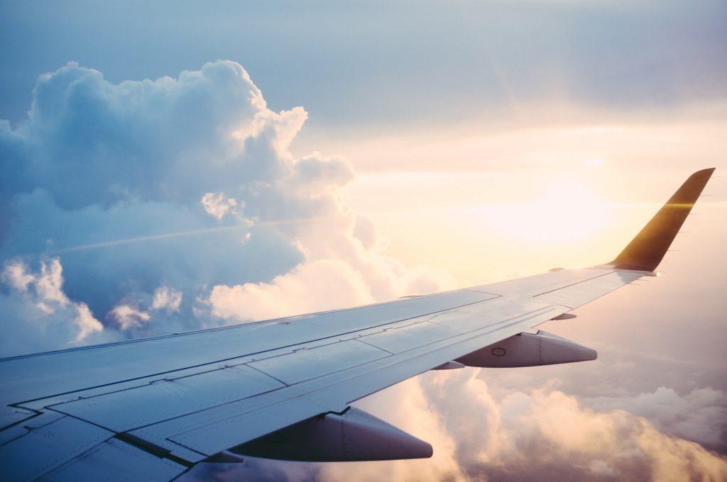 avion aile voyage nuages