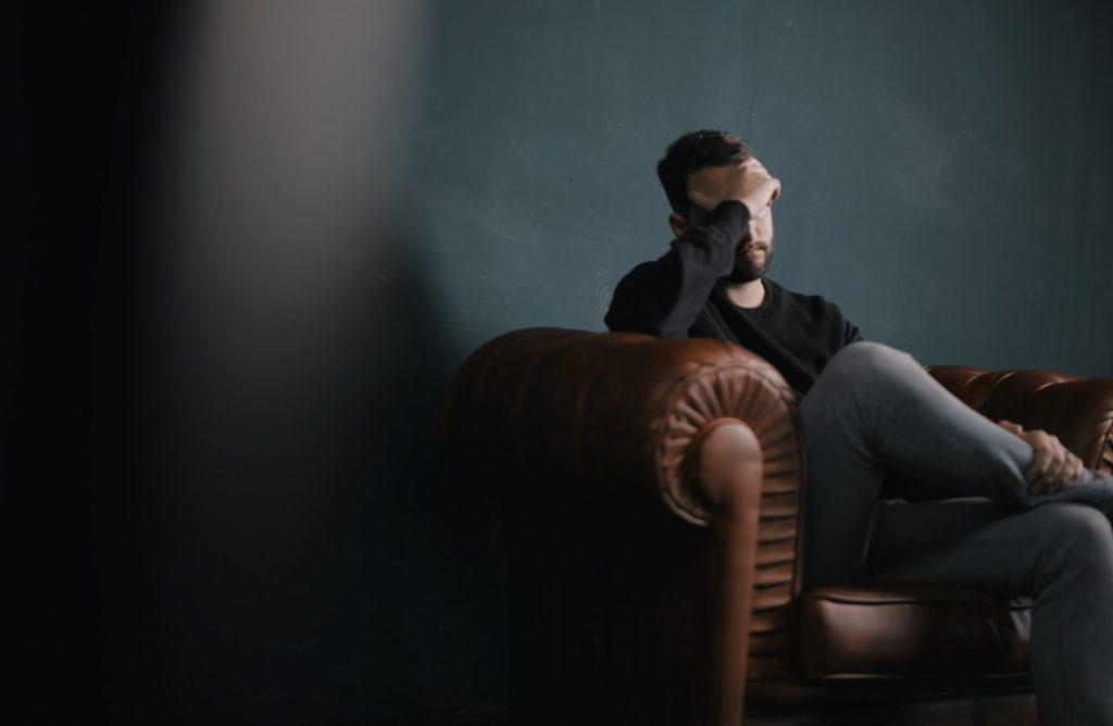 homme anxiété stress