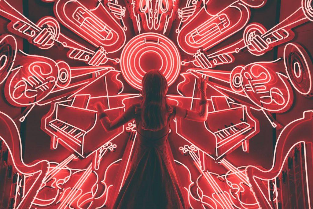 choses reliées à la musique en néon