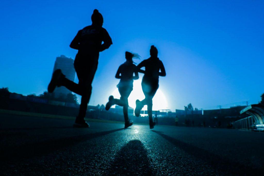 courir avec ses amis