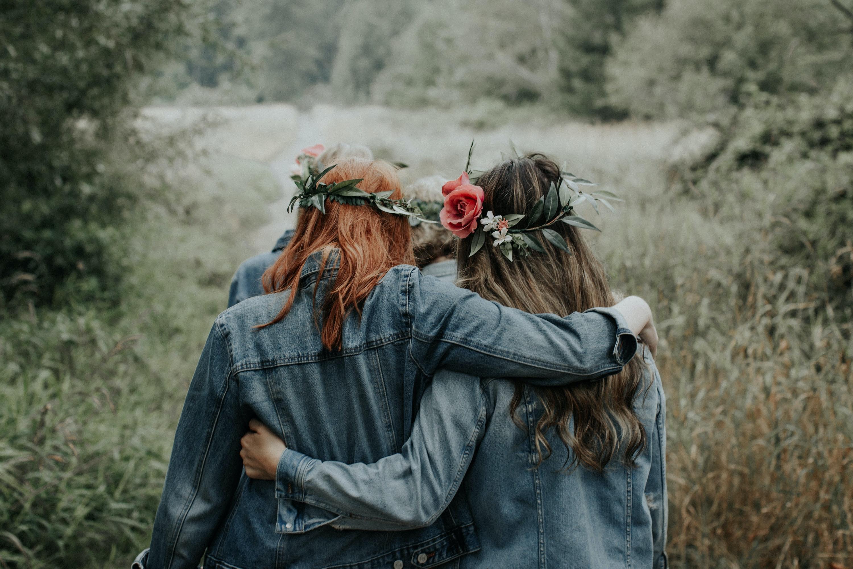 deux filles dos