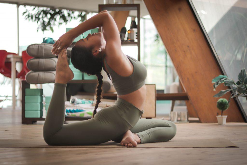 yoga relaxation pose flexibilité