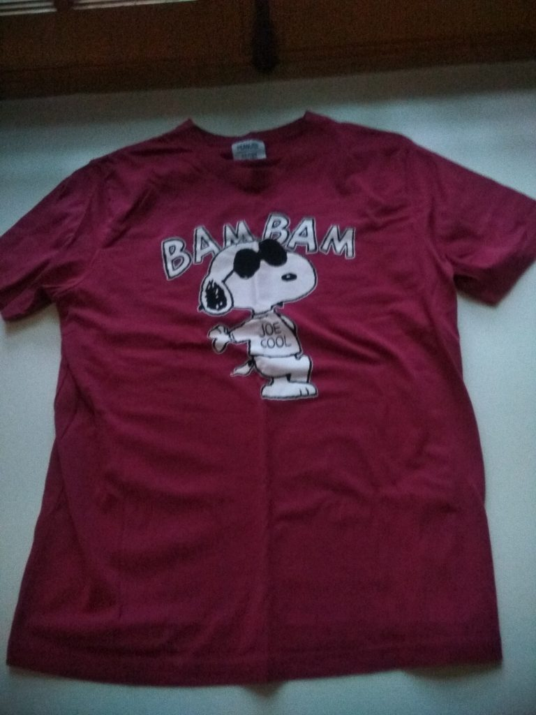 t-shirt rouge vin snoopy