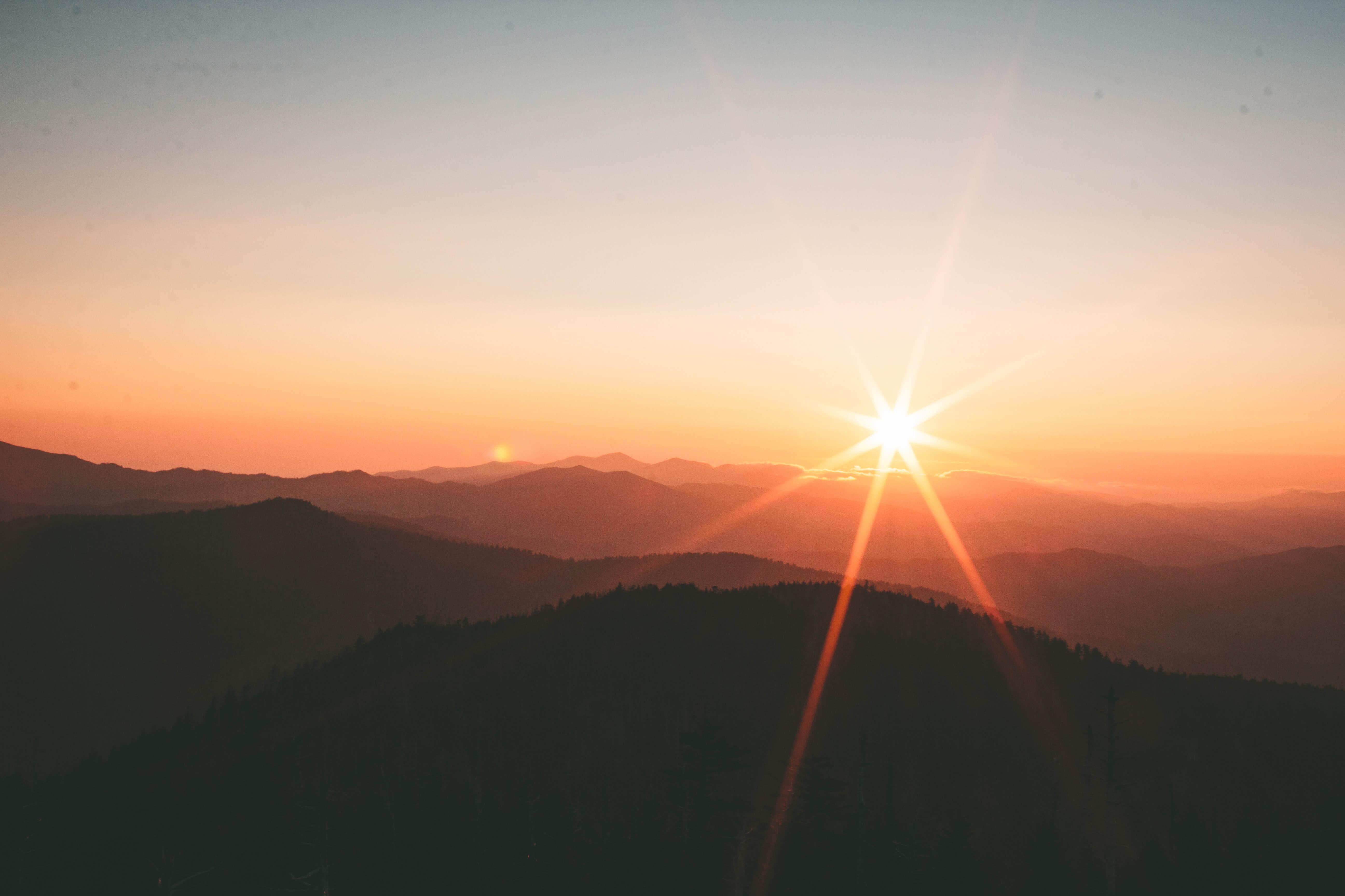 soleil montagne paysage