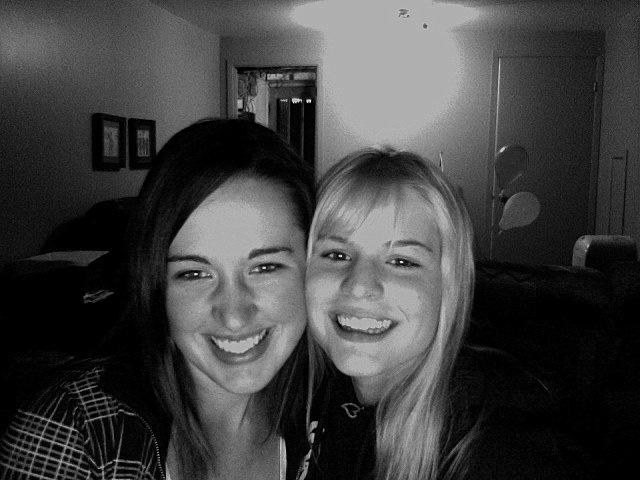 deux filles selfie noir et blanc