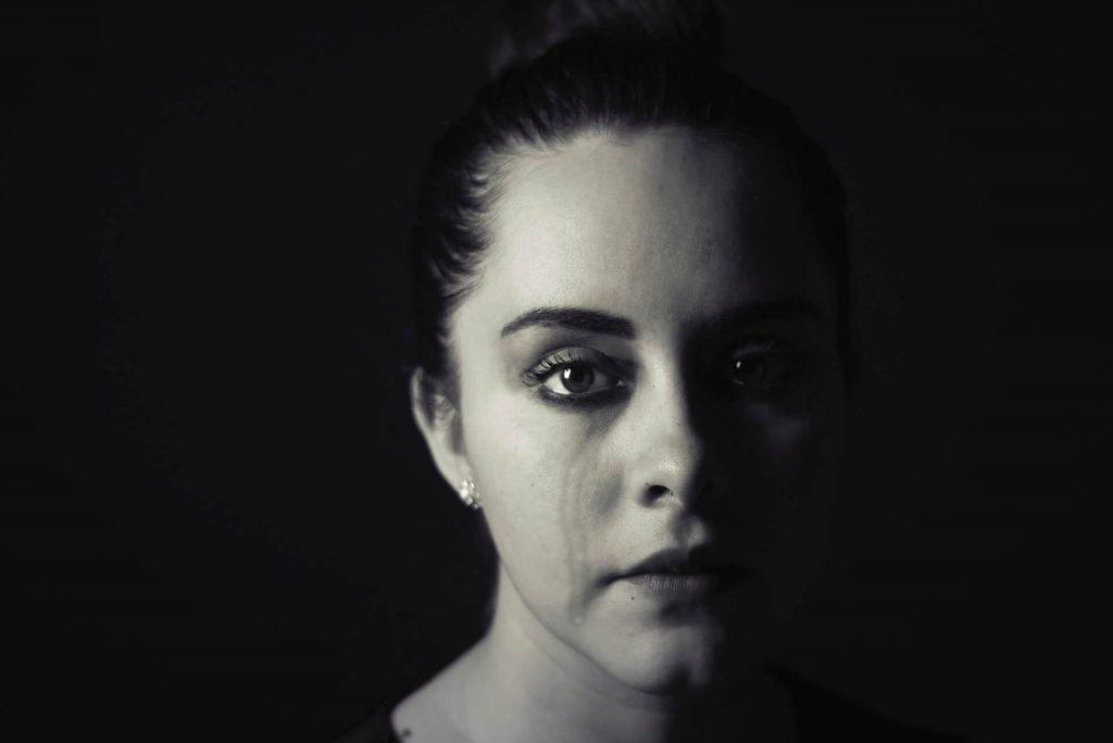 femme pleurer trop dépression