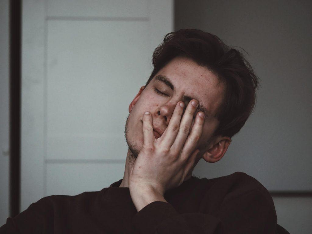 triste, désespéré, homme, gris