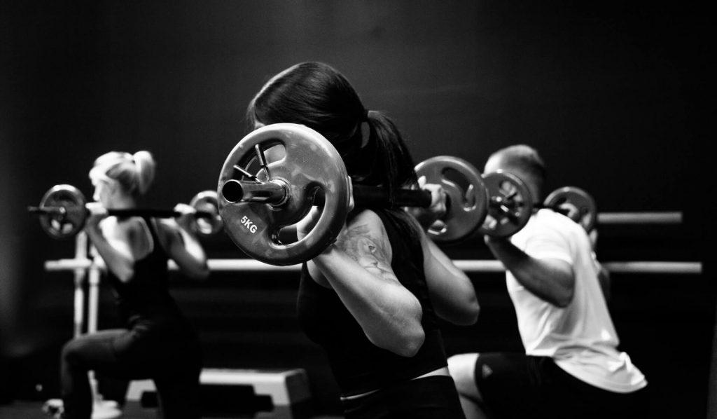 gym, entrainement, salle de sport, femme, homme, poids
