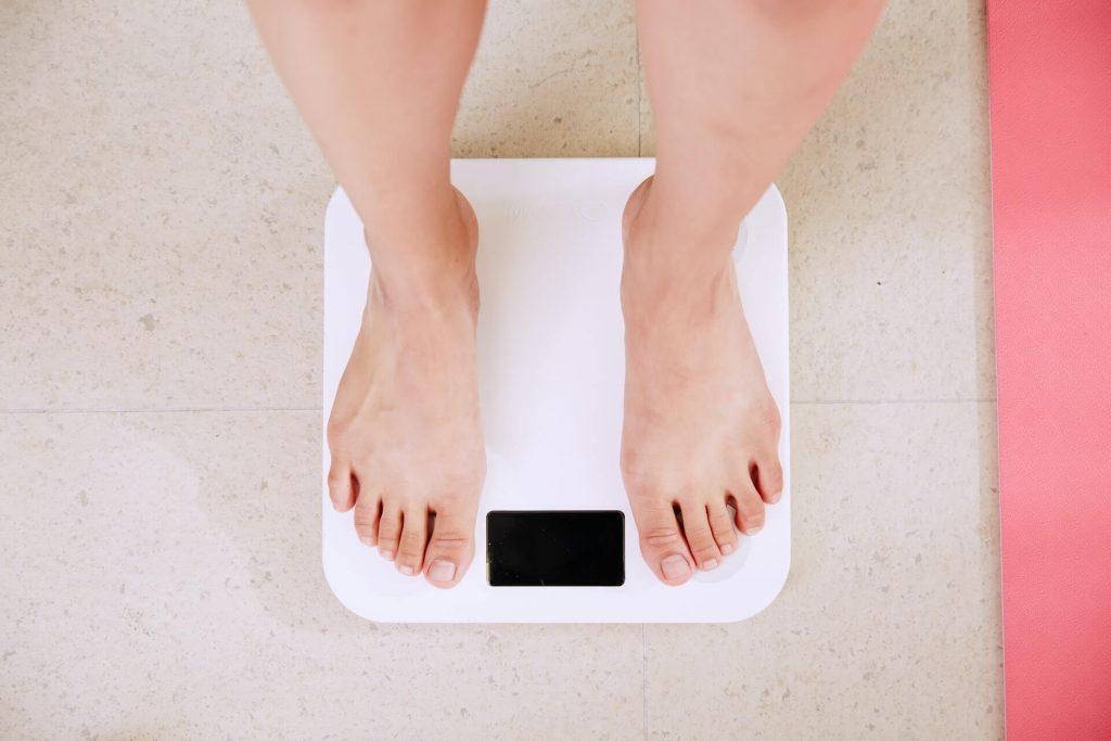 poids balance restriction cognitive