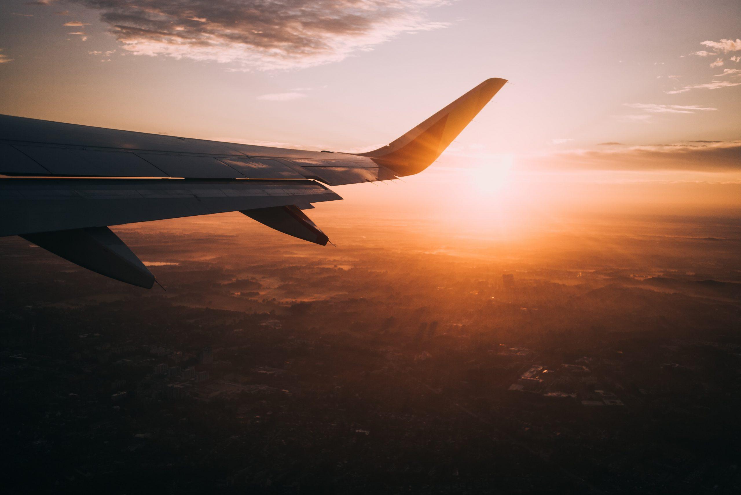Avion coucher de soleil