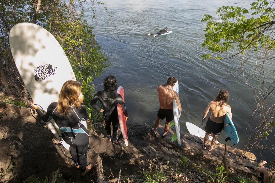 surf de rivière Vague à Guy